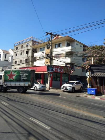 Rent a 4-storey building, the whole building, total area of 2,000 sq m, special discount price, this period is 120,000 baht per month