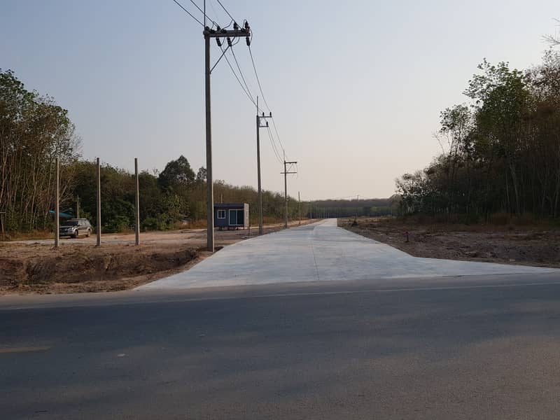 Land organized lock divided for sale. Nong Taphan-Map Kha Road
