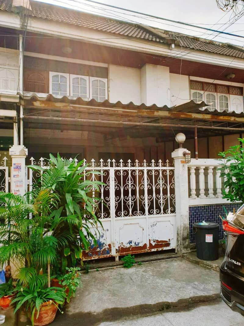 2 storey townhouse for sale, Phairot Village Near the Si Iam Yellow Line BTS station