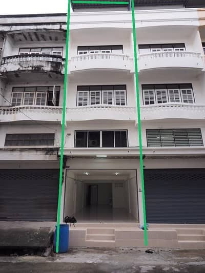Commercial Building for Rent in Phra Khanong, Bangkok - BH590 Commercial building for rent, 1 booth, 5 floors, renovated, each floor is a big area. Not yet blocked, there are 2 bathrooms, including a rooftop, Soi On Nut 30, away from BTS on