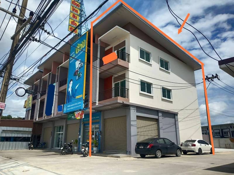 Commercial building for sale, area 17.50 sq. wa, Sriracha district, next to 331 road, corner room, suitable for office Near Hemaraj Industrial Estate
