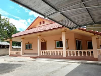 5 Bedroom Home for Sale in Ban Hong, Lamphun - House and land for sale