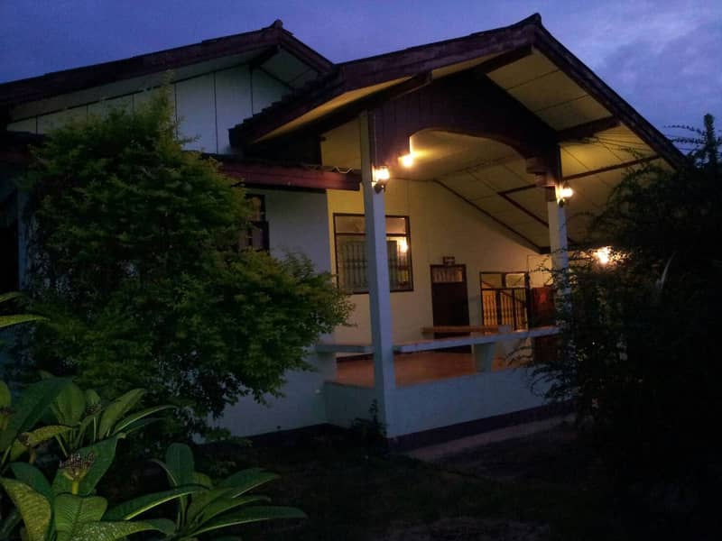 House with land in Mueang Chiang Khan District with a homestay