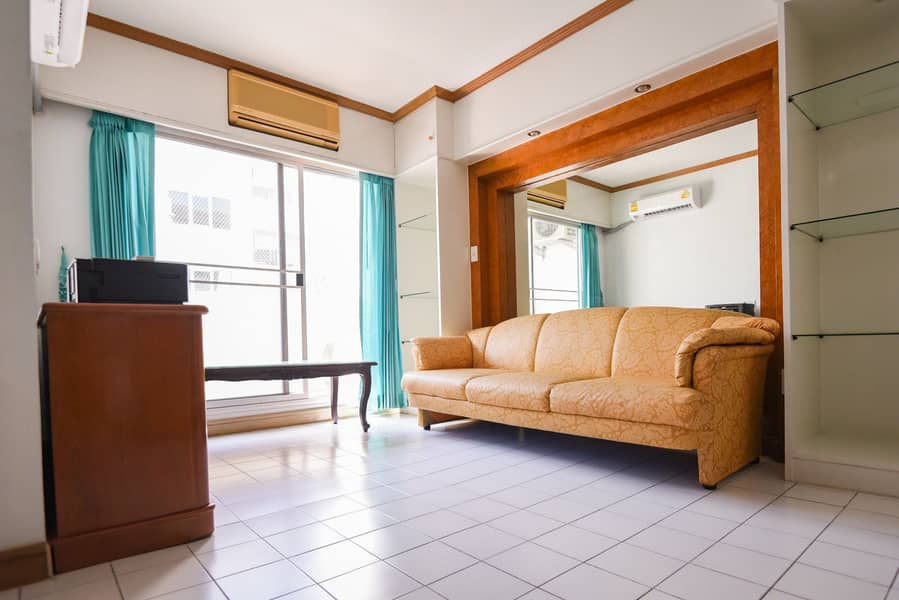 Condo for sale at Baan Suan Thanon Phuttha Bucha 47 the owner sells by himself (No broker)