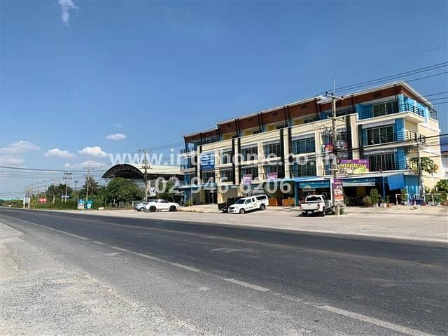 4-storey commercial building near the front of Punnawit School, Bang Pa-in District, Ayutthaya Province.