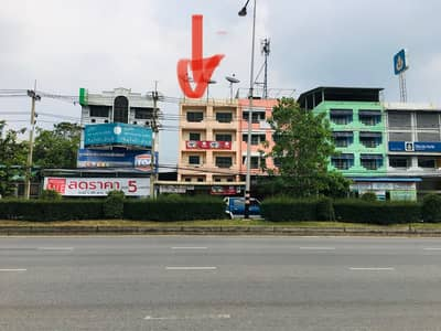 Office for Sale in Sam Phran, Nakhonpathom - Commercial buildings and home offices in a large size, good location, on the main road, convenient to travel