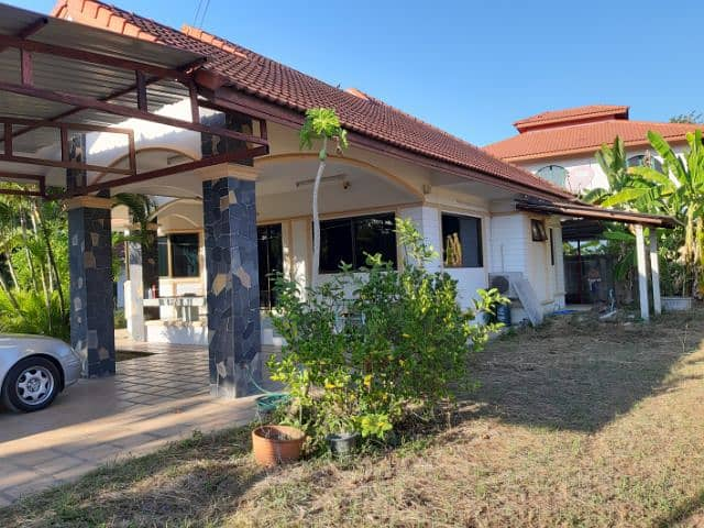 House for sale with land 200 sq m. Away from Bo Sang, San Kamphaeng 4 km.
