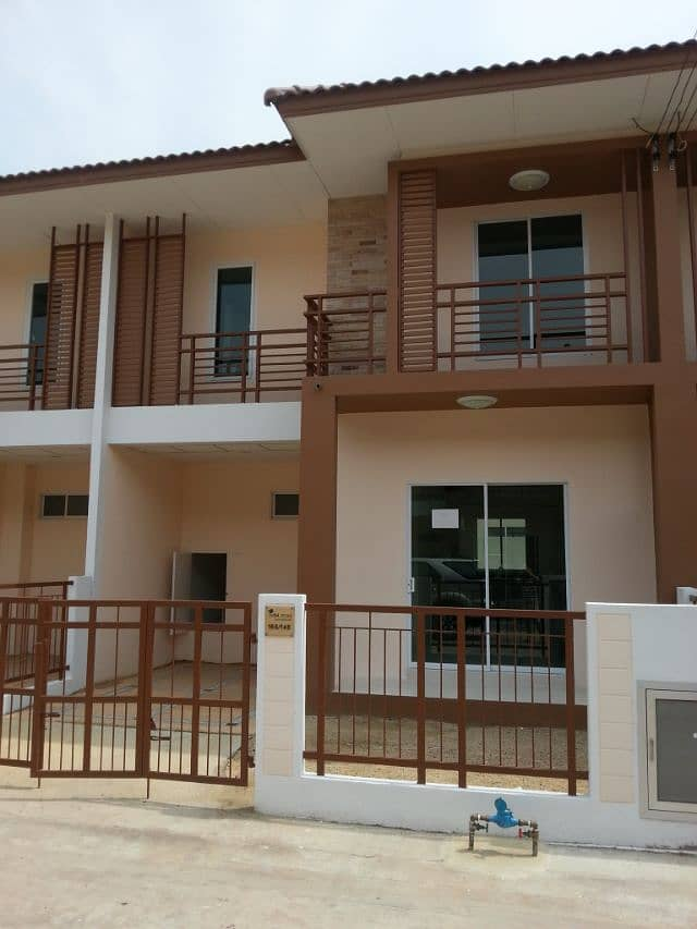 """""""Urgent for rent a new 2-storey townhouse, I Leaf Town Pracha Uthit 90 - Rama 2, cheap price."""