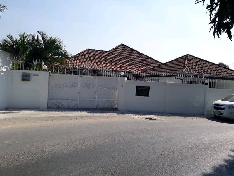 1 storey house for sale with furniture