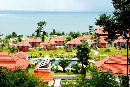 """Hotel for Sale in Mueang Trat, Trat - The beach resort in Laem Klat, Trat Province, for sale cheap. """""""