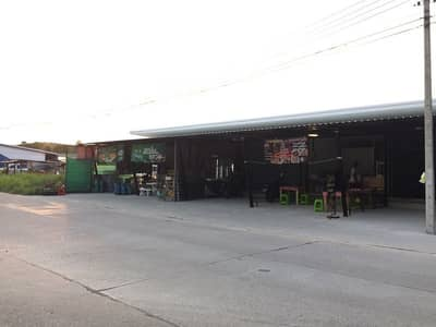 Hotel for Sale in Pluak Daeng, Rayong - Land with rooms for rent, land almost 2 rai, behind Saphan Si Pluak Daeng Market, Rayong