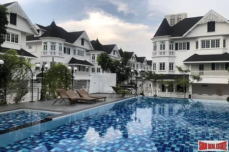 4 Bedroom Home for Rent in Bang Na, Bangkok - Fantasia Villa 4 | Extra Large Four Bedroom Family House for Rent in a Small Private Estate - Pet Friendly
