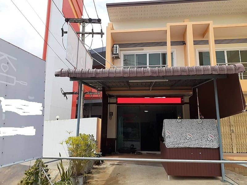 2 storey townhome for sale, commercial location with complete set of restaurant equipment Good location on Petchkasem Road, Pakasai Subdistrict, Nuea Khlong District Krabi Province