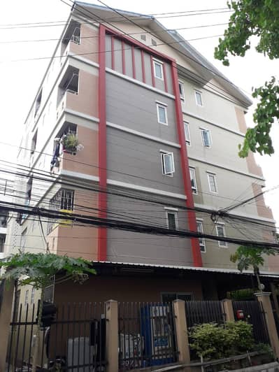 21 Bedroom Apartment for Sale in Chatuchak, Bangkok - H061-For Sale Apartment 5 floors Soi Ratchada 36 (Suea Yai) There are furniture and air conditioners in every room.