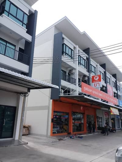 Commercial Building for Rent in Bang Khae, Bangkok - Rent a new building, 2 booths, 3 floors, and a half in front of the Donich ID Bang Khae Therdthai