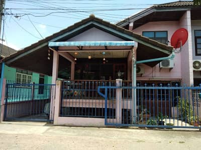 3 Bedroom Home for Sale in Mueang Phichit, Phichit - 2 storey detached house for sale, 3 bedrooms, 2 bathrooms, in the city