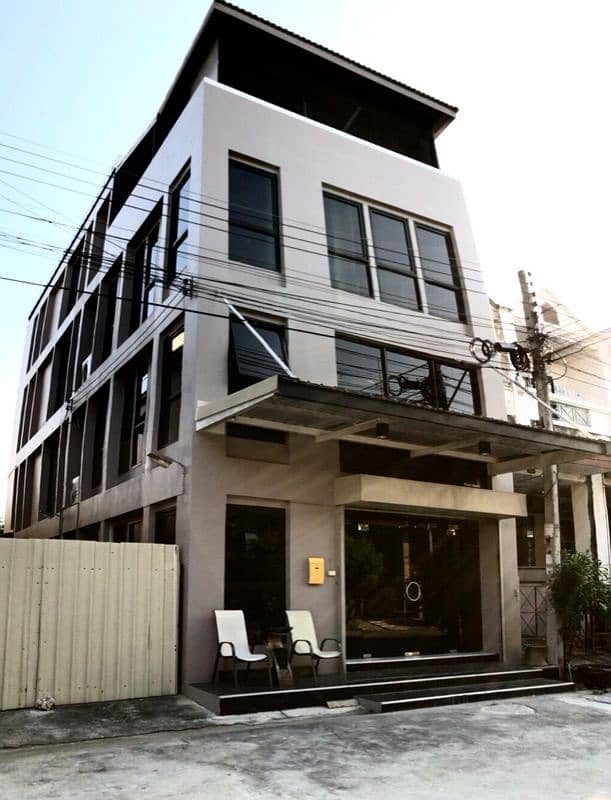 4-storey office house for sale