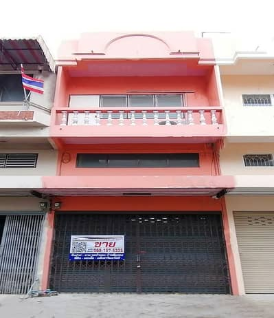 Commercial Building for Sale in Bang Bua Thong, Nonthaburi - Hong Prayoon Village, 3-storey commercial building, 15 sq m, near the Purple Line, only 2 km (commercial location), Bang Kruai-Sai Noi Road, near Big C, Lotus, Leng Ne Temple
