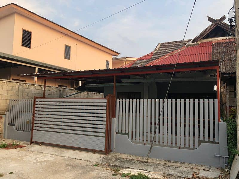 Single storey townhouse for rent or sale