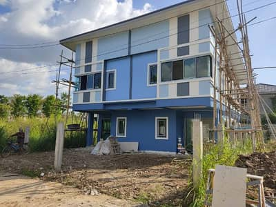 3 Bedroom Townhouse for Sale in Mueang Chiang Mai, Chiangmai - Townhome for sale, 3 bedrooms, 2 bathrooms, 2 large car parks, width 6 meters, you can visit at Soi Sri Sukree 6.