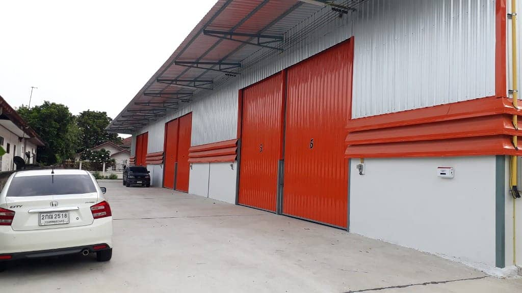 New warehouse for rent, 180 sq m. , Lam Luk Ka Klong 4, behind the AC market, near the outer ring 25,000 baht
