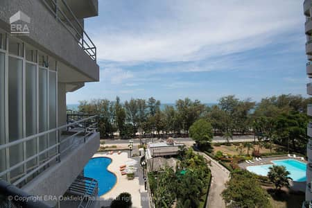 1 Bedroom Condo for Sale in Mueang Rayong, Rayong - Attractive corner unit at a very attractive price in The Royal Rayong