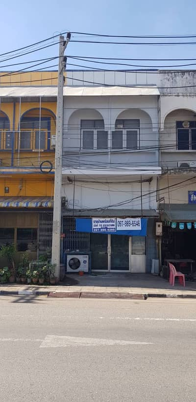 Commercial Building for Sale in Taphan Hin, Phichit - 2 and a half stories commercial building