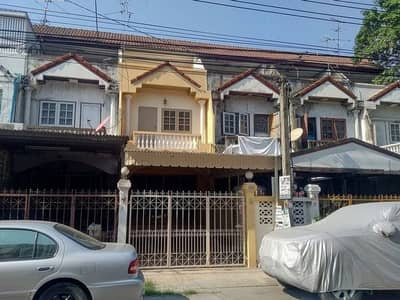 3 Bedroom Townhouse for Sale in Phra Khanong, Bangkok - Baan Suan Nakarin 1 townhouse, renovated, ready, 3 floors, 3 bedrooms.