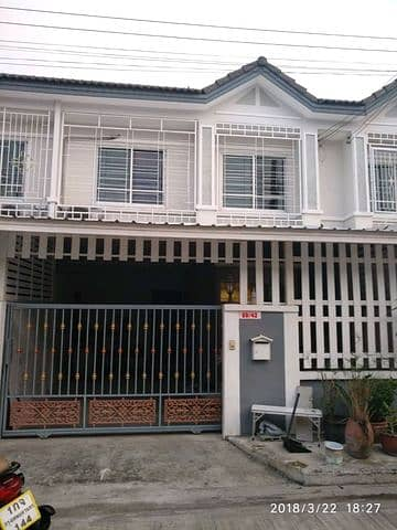 3 Bedroom Townhouse for Rent in Bang Khun Thian, Bangkok - House for sale, Sinthavee 2, Soi Tian Talay 20, the owner sells by himself. No broker.