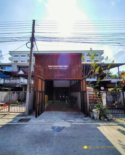 2 Bedroom Townhouse for Sale in Mueang Chiang Mai, Chiangmai - CA0054 3-storey townhome for sale, near the city