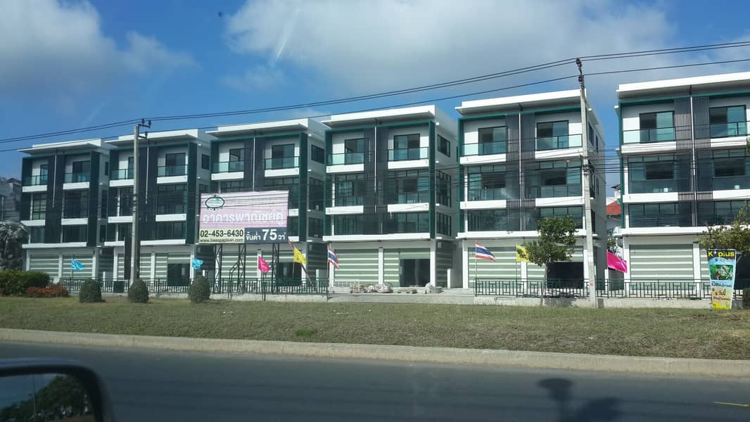 For rent On Bang Khun Thian Road Minimum area is 75 square meters.