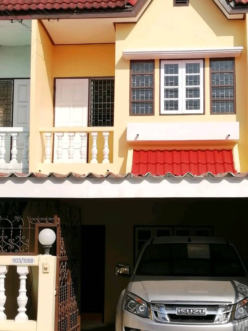 2-storey townhouse for rent in Bang Khae.