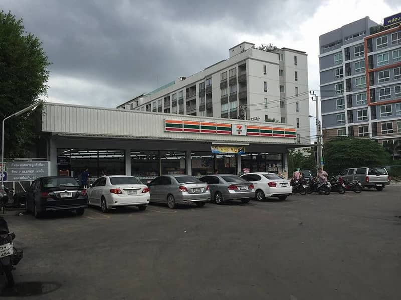 Sales, rent, commercial building, 1 booth at the entrance of Soi Tiwanon 3, opposite the Ministry of Public Health.