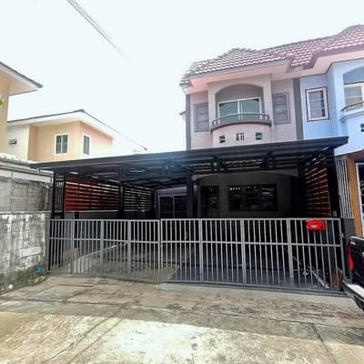 Townhouse for Sale in Min Buri, Bangkok - 2 storey townhouse for sale, Phanason Village 7, area of 32 square meters, 3 bedrooms, 2 bathrooms, 2 parking spaces in the house, 1 car in front of the house, behind the corner of Nimitmai 9, New Nimit, Minburi, Hathairat, Ramintra, Lam Luk Ka, Safari Wo