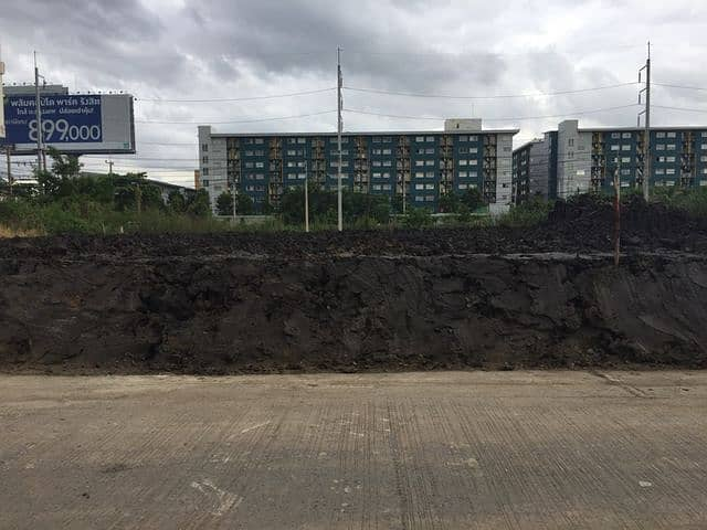 Land for sale 452 square meters from the mouth of Soi Khlong Luang 25 500 meters. The mouth of the alley is Toyota Center, Klong Luang branch.