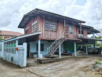 4 Bedroom Home for Sale in Mueang Phayao, Phayao - House with land for sale 2 floors