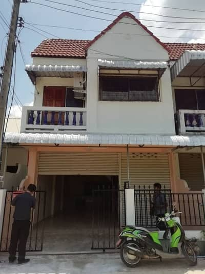 2 Bedroom Townhouse for Sale in Mueang Maha Sarakham, Mahasarakham - 2 storey townhouse for sale with furniture, air conditioning, CCTV in the heart of Maha Sarakham, Talat Subdistrict