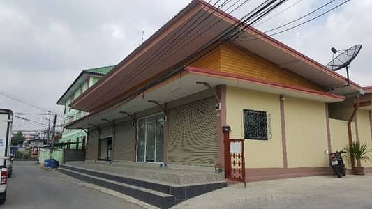 Commercial Space for Rent in Khlong Luang, Pathumthani - Single storey commercial building for rent