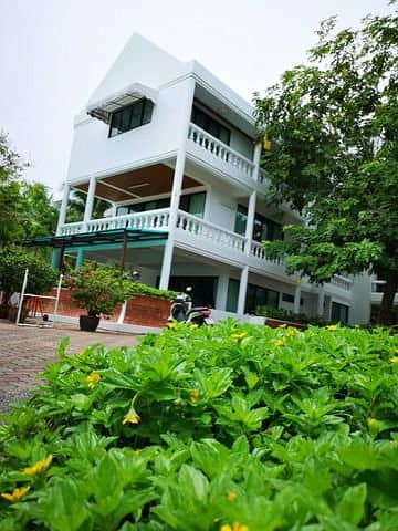 5 Bedroom Townhouse for Sale in Hua Hin, Prachuapkhirikhan - House for sale in Suksamran Hua Hin