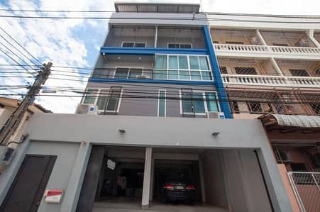 Commercial building for sale, Bang Waek, 38 square meters, usable area 450 sq m. Home Office, strong structure. Near the exit of Kanchanaphisek The Mall Bang Khae, the main train