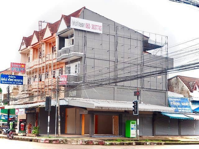 (Building and temporary reservation signs) for rent advertising billboards 100 square meters, corner corner, central location in the city of Nakhon Phanom, opposite the provincial court.