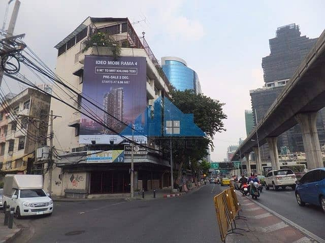 6-storey commercial building, 2 booths (hit through), 33.5 sq m. Behind the corner, a lot of usable space, 4 parking spaces in the city center, suitable for a hostel - home office On the main road, North Sathorn