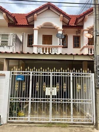 Urgent sale, second-hand townhouse, the owner sells by himself, sells according to the condition
