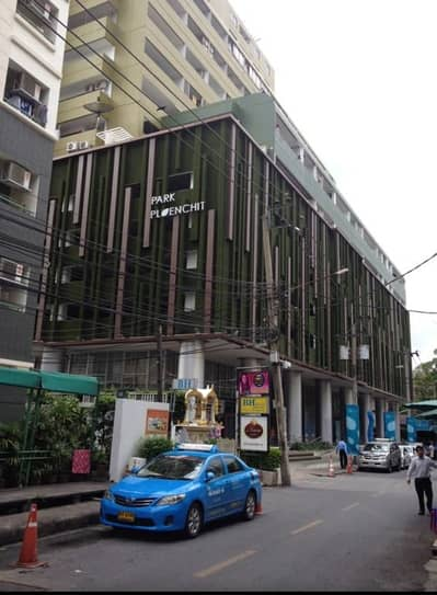 Commercial Space for Rent in Watthana, Bangkok - Sales area Physical therapy and other clinics, restaurants, pubs, bars, spa, gym office