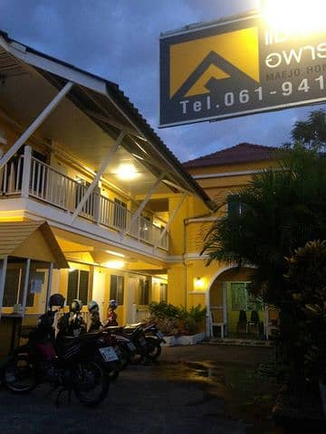 Dormitory for sale in Mae Jo zone. Full rental guarantee 155,000 baht per month