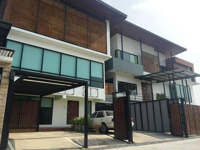 Home Office, beautiful, modern, inexpensive house for rent near Central Westgate and the Purple Line BTS, Bang Bua Thong District, Nonthaburi Province.