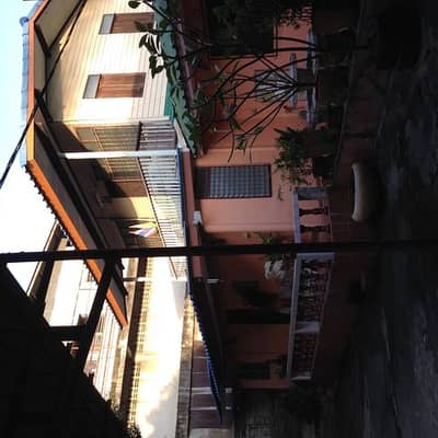 Sale of single house rights with 14 rooms for rent.