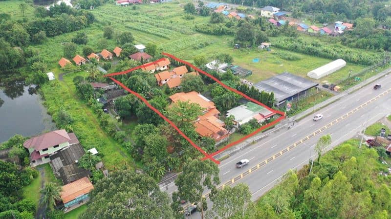 Resort for sale on the main road, 4 lanes, near the city