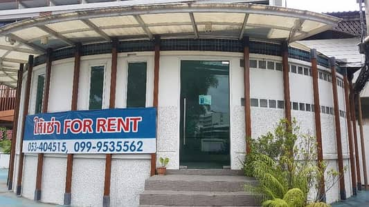 Office for Rent in Mueang Chiang Mai, Chiangmai - One-story room for rent, suitable for office Other trade tours with 2 air conditioners on Hassadhisawee Road opposite Wat Santitham with furniture.