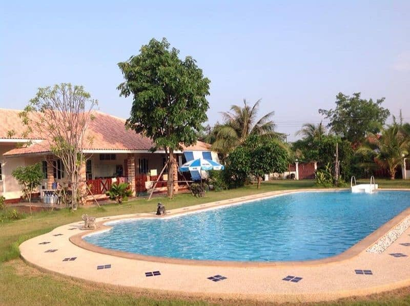 House for sale with swimming pool on an area of 2 rai